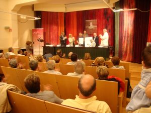 Fotografia de l'acte de lliurament a la sala d'actes del Memorial 2011