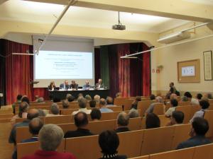 Fotografia de la sala d'actes durant l'acte de lliurament del Memorial 2015